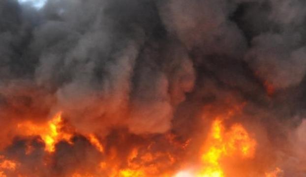 Lastik fabrikasındaki yangın