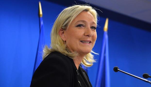 """Yahudi sanatçıları """"fırınlayalım"""" diyen Le Pene ırkçılık soruşturması"""