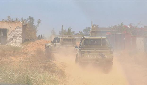 İsrail perde arkasından Haftere askeri destek sağladı