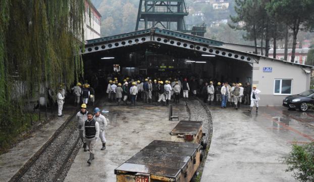 Maden işçilerinden ocaktan çıkmama eylemi