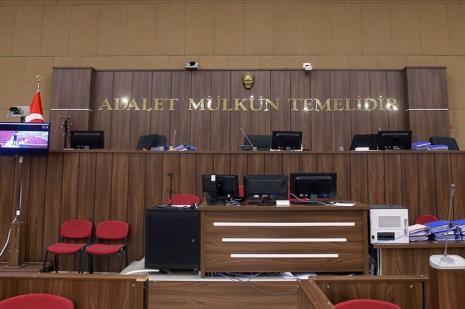 Eski HSYK üyesi Ahmet Berberoğlu'na hapis cezası