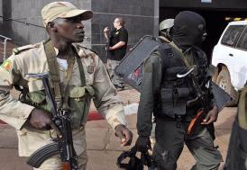Mali'de bomba yüklü araç saldırısında 60 kişi öldü