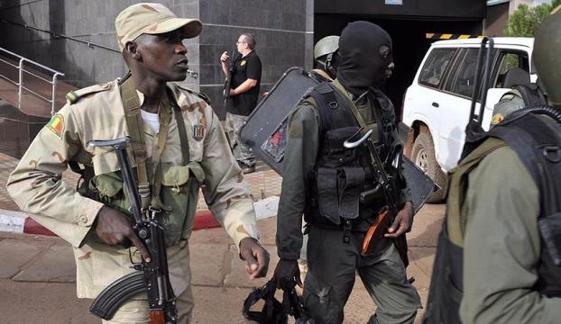 Malide bomba yüklü araç saldırısında 60 kişi öldü