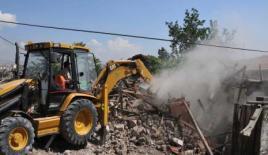 """""""Metruk binayı vatandaş yıkmıyorsa biz yıkacağız"""""""