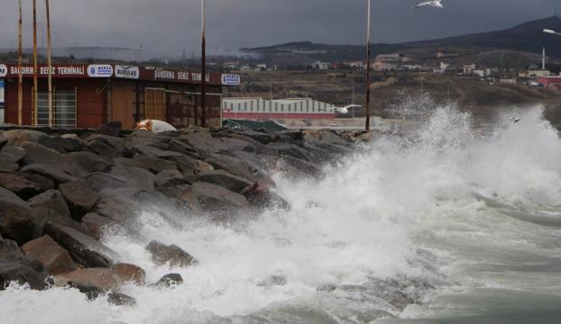 Marmarada kuvvetli fırtına uyarısı