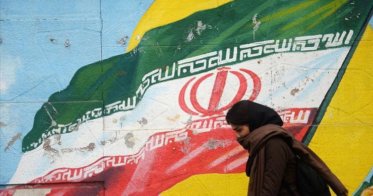 """""""Mavi Kız"""" İran'da yeni bir tartışma başlattı"""