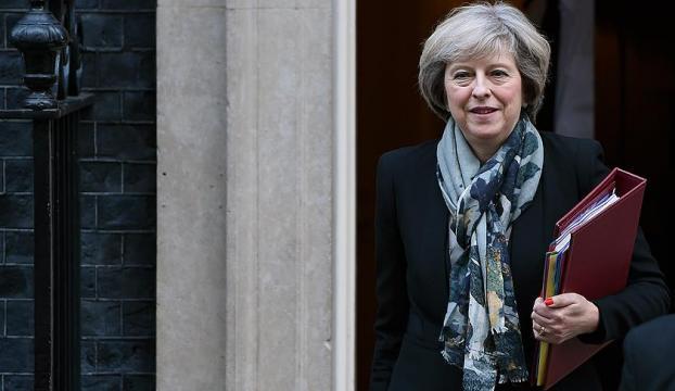 İngiltere Trumpın göçmen kararına karşı önlem hazırlığında