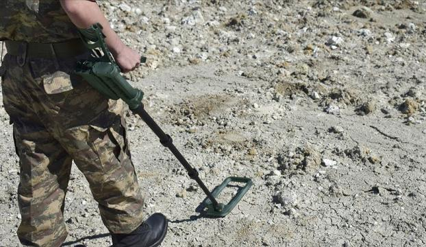Siirt kırsalında teröristlerin araziye tuzakladığı patlayıcı imha edildi
