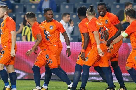 Medipol Başakşehir'in en golcüsü Adebayor