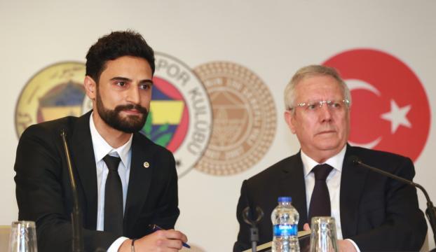 Mehmet Ekici resmen Fenerbahçede