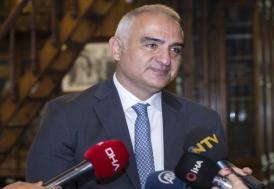 """Bakan Ersoy: """"Hatlar açıldığında tercih edilecek ülkelerin başında Türkiye gelecek"""""""