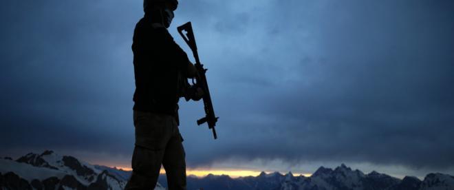 Mehmetçik İkiyaka Dağlarında teröristlere nefes aldırmıyor