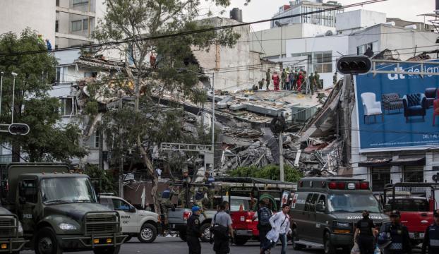 Meksikada 7,1 şiddetinde deprem : Ölü sayısı artıyor