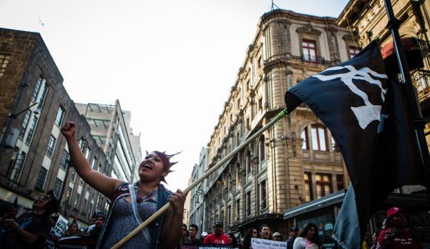 Meksikada benzin fiyatlarına yapılan zam protesto edildi
