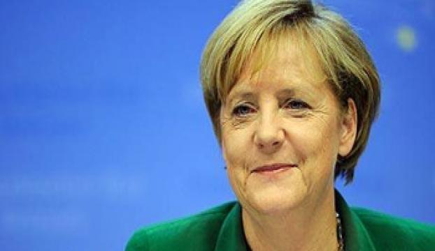 Angela Merkel yeniden seçildi