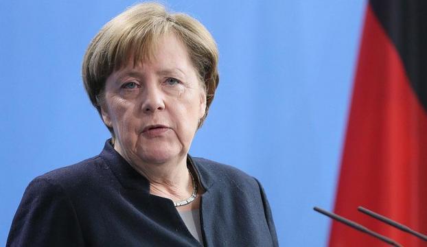 Merkelden Suudi Arabistana silah satışı açıklaması