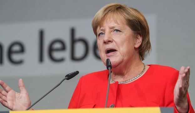 Merkelden ABD Başkanı Donald Trumpa eleştiri