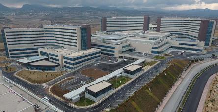testİşte Türkiye'nin ilk şehir hastanesi