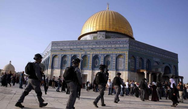 """İsrailden Mescid-i Aksadaki """"restorasyon çalışmalarına"""" engel"""