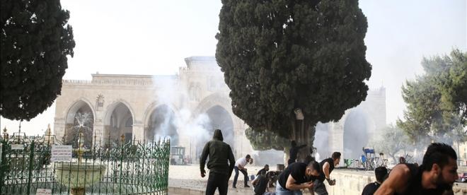 İsrail polisinin Mescid-i Aksadaki Filistinlilere müdahalesinde yaralı sayısı 305e yükseldi