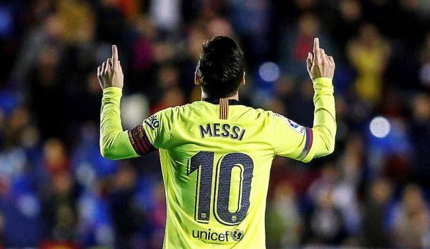 Messi La Ligada gol krallığı yarışında ilk sıraya yükseldi