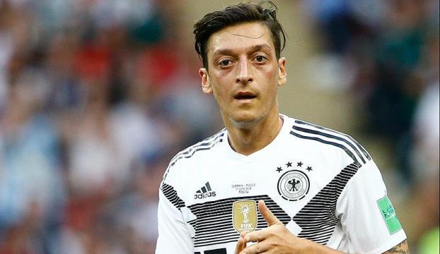 Arsenal teknik direktöründen Mesut Özile destek