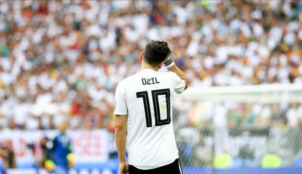 Mesut Özile destek yağdı