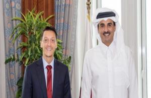 Katar Emiri Şeyh Temim, Mesut Özil'i kabul etti