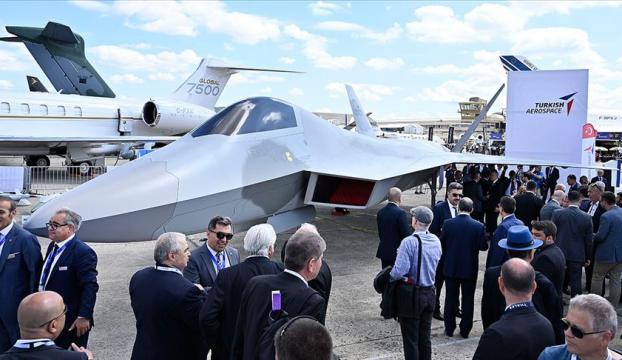 Milli Muharip Uçağı Fransada görücüye çıktı