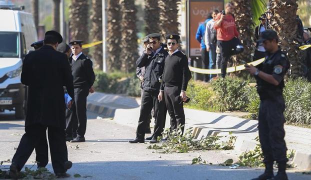 Mısırda otobüsü taradılar, 23 kişi öldü