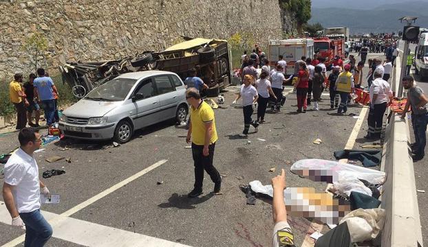 Muğlada feci kaza : 24 kişi hayatını kaybetti
