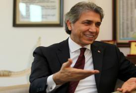 Fatih Belediye Başkanı Demir istifa etti