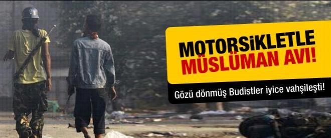 Myanmar'da motorsikletle Müslüman avı