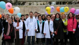 Nadir hastalıklara dikkat çekmek için balon uçurdular
