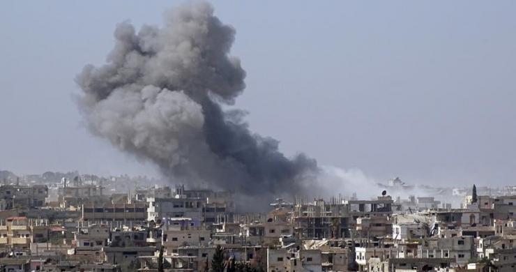 Esed napalm bombalarıyla sivilleri katlediyor