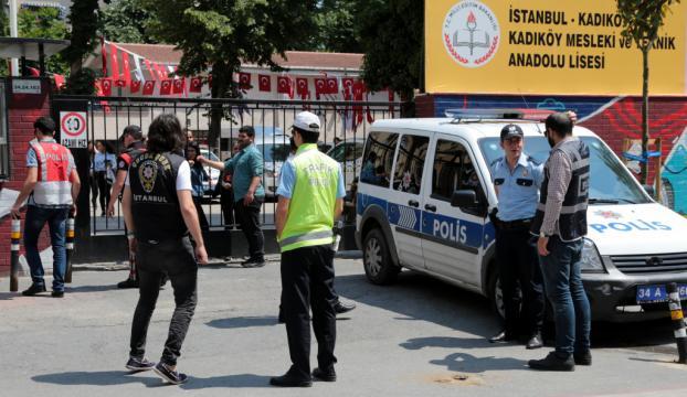 İstanbulda okul önlerinde narkotik denetimi
