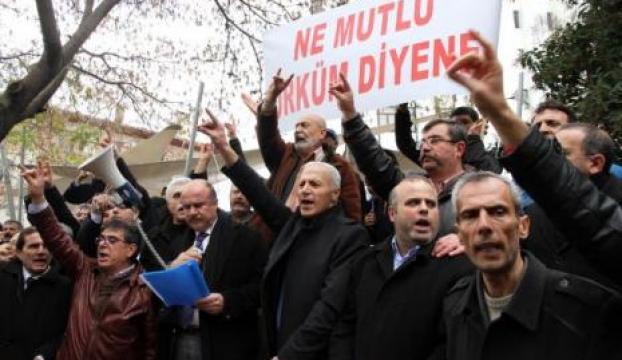 """""""Ne Mutlu Türküm Diyene"""" tabelası geldi, Balıkesirli sevindi"""