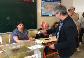 Necati Şaşmaz oyunu Üsküdar'da kullandı