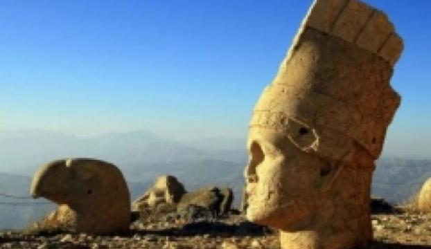 Nemrut, sezonun son turistlerini ağırlıyor