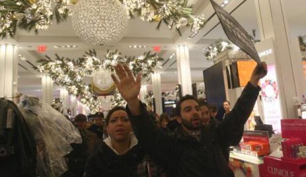 New Yorkta eylemciler mağazaları işgal etti