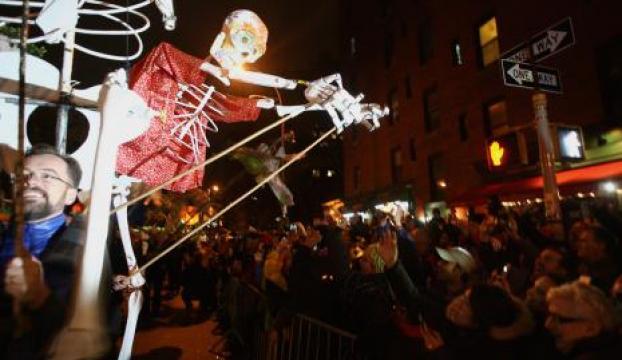 New Yorktan cadılar geçti