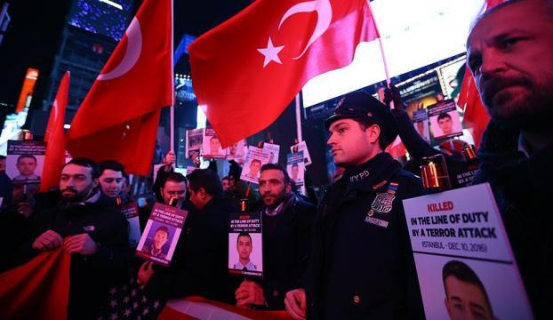 New York Polisi, Times Meydanında İstanbul şehitlerini andı