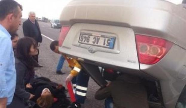 Niğdede trafik kazasında 2 kişi yaralandı