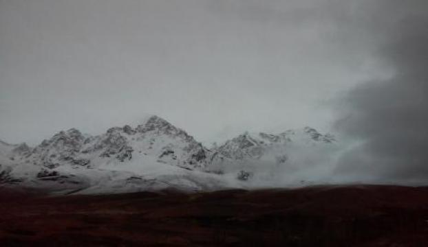 Niğdeye mevsimin ilk karı yağdı