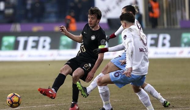 Osmanlısporlu Numan Çürüksu UEFA en iyi 11de