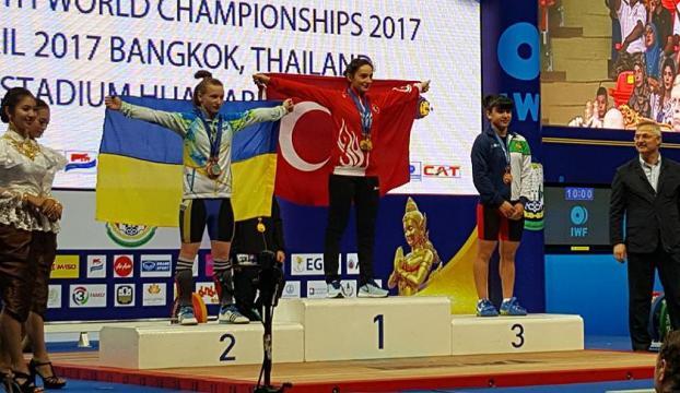 Halterde Nuray Levent dünya şampiyonu!