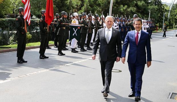 Milli Savunma Bakanı Canikli ABDli mevkidaşı ile görüştü