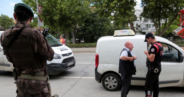 """İstanbul'da """"Kurt Kapanı-7"""" uygulaması"""