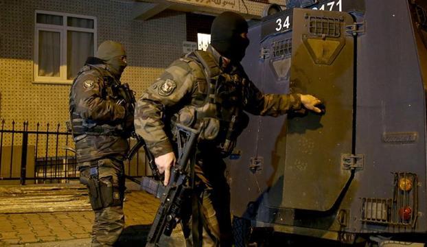 Sosyal medyada terör propagandası yapan 235 kişiye gözaltı