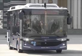 Cumhurbaşkanı Erdoğan, elektrikli sürücüsüz otobüsü test etti